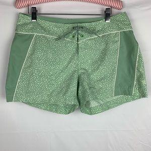 The North Face / Board Shorts - Green Polka Dots